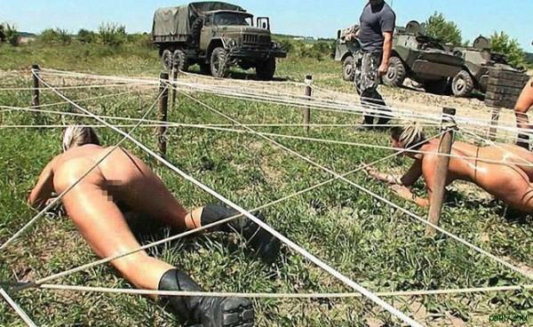 фото голых женчин в армии