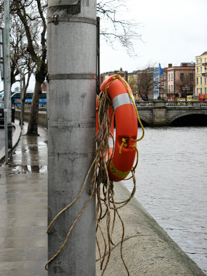 Дублин. набережная. везде - спасательные круги. Фото john5r