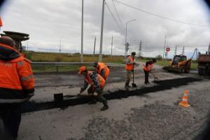 Гостям из Москвы показали, как строят тюменские дороги