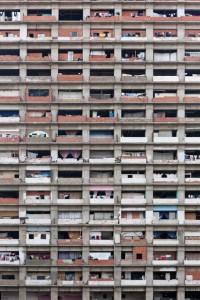 Небоскреб-трущеба в Каракасе (Венесуэла). После смерти главый крупной сройкорпорации дом оказался заброшенным, его обжили бедняки
