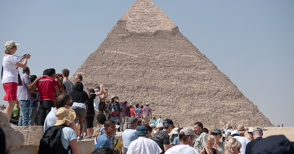 pyramid-of-cheops-45480940