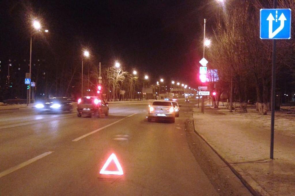 38-летний пешеход попытался в субботу вечером перейти в неположенном месте улицу Республики и был сбит автомобилем