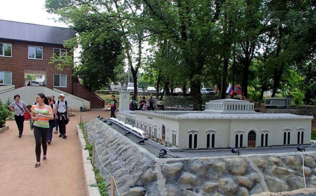 Крым в миниатюре на ладони, Бахчисарай