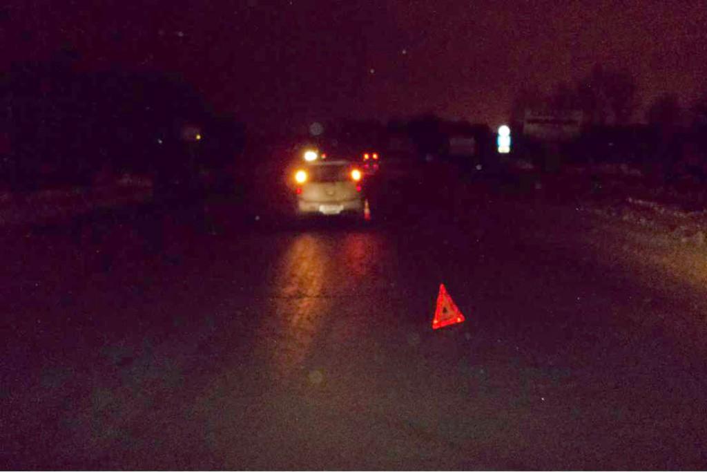Пешеход получил тяжелую травму вчера в седьмом часу вечера на 15-м километре автодороги Тюмень-Боровский-Богандинский.