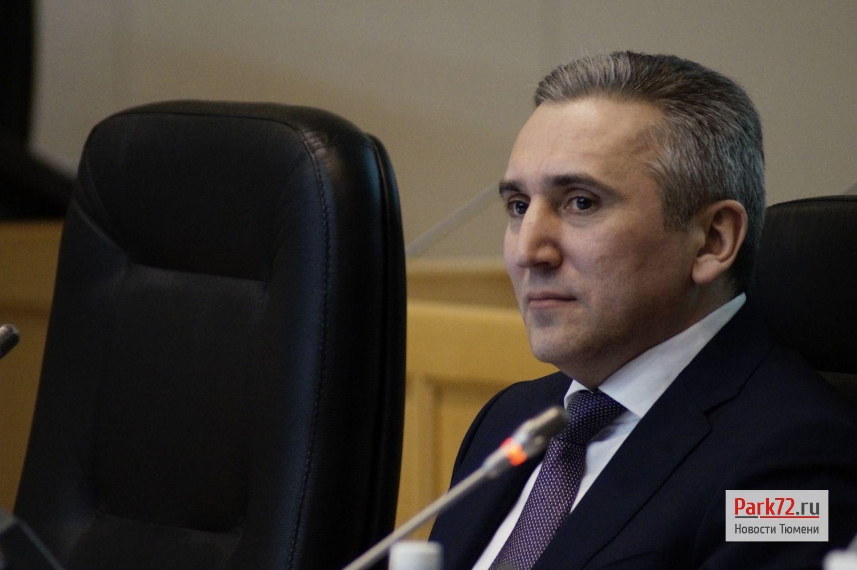Глава города Александр Моор уже вторую думу подряд молчит и не комментирует с трибуны вопросы_result
