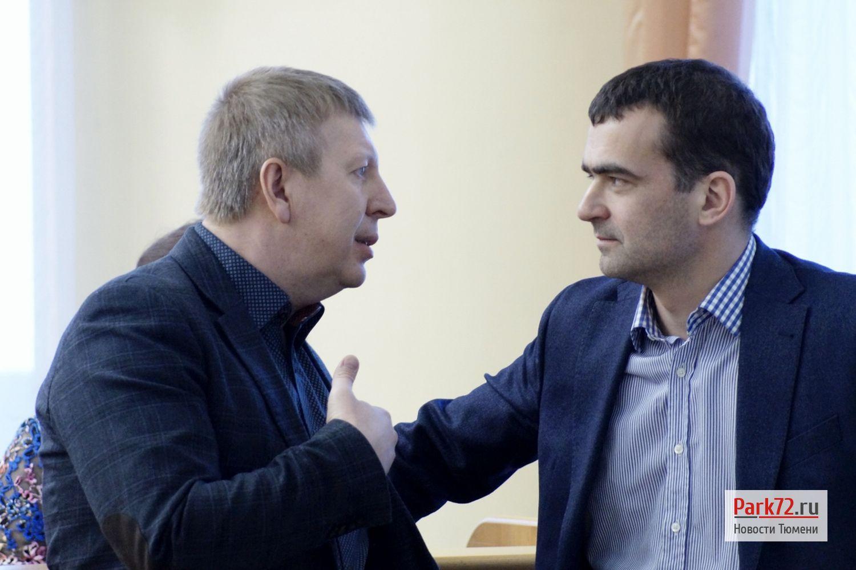 Либерал-демократ Алексей Чирков и справорос Сергей Морев_result