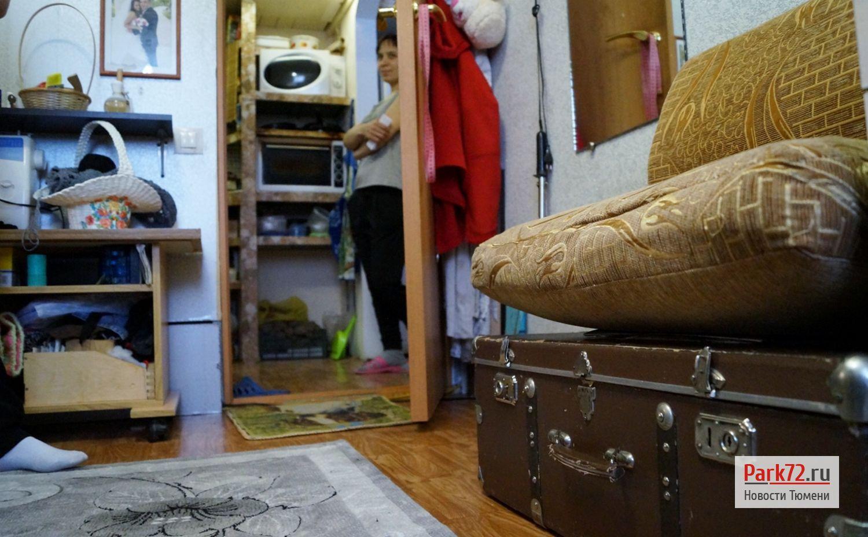Люди в буквальном смысле вынуждены жить на чемоданах_result