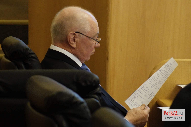 Депутат Николай Барышников по традиции был критичен по каждому вопросу повестки