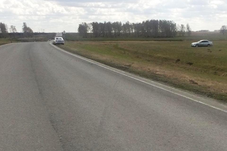 На 61-м километре автодороги Ишим – Казанское около полудня съехал в кювет и перевернулся автомобиль «Ниссан Альмера».