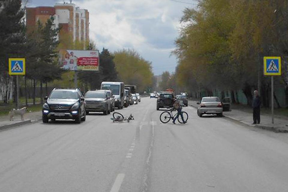 Автомобилем «Дэу Нексия» сбит 23-летний велосипедист, переезжавший на велосипеде улицу Мельникайте