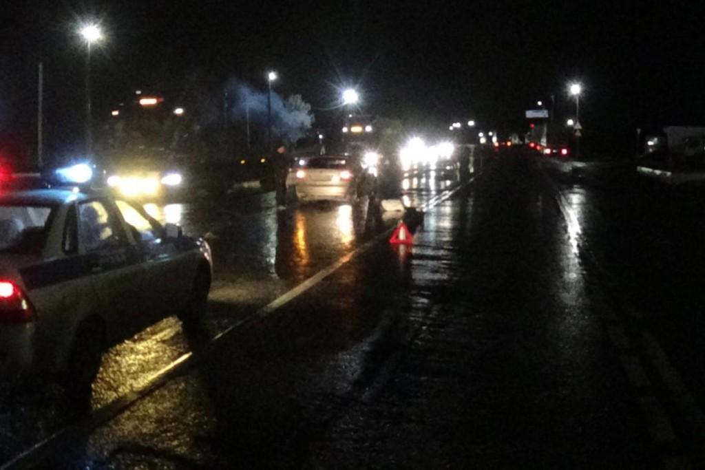 Трагедия случилась около девяти часов вечера на 269-м километре автодороги Тюмень-Ханты-Мансийск, здесь автомобилем «Шкода» сбит 57-летний пешеход, мужчина погиб