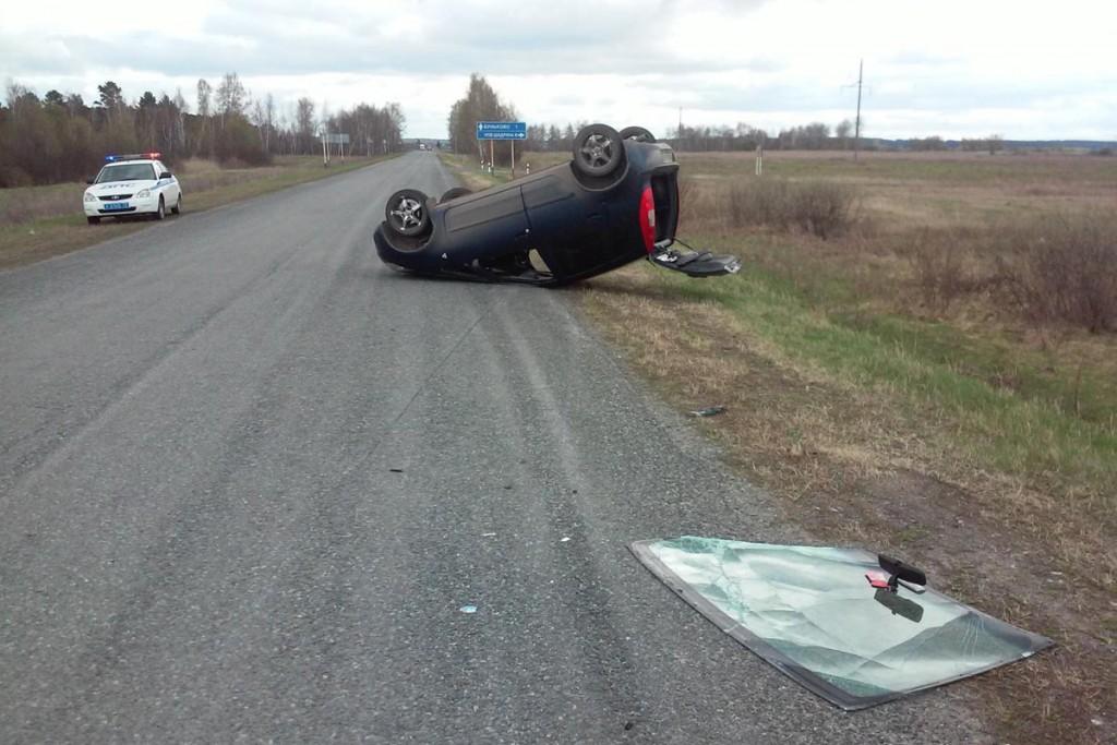 В час дня на 19-м километре автодороги Упорово – Буньково – Тюменцева в Упоровском районе опрокинулся автомобиль «Мицубиси Кольт»