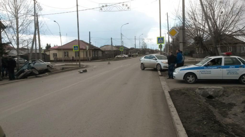 Начинающий 18-летний водитель на «Жигулях» пятой модели со стажем 2 месяца спровоцировал ДТП в Ялуторовске