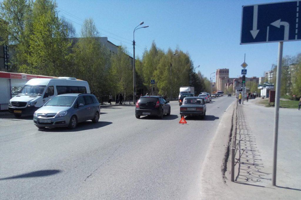 Трагедия произошла в городе Тобольске на улице Знаменского в 11 часов дня