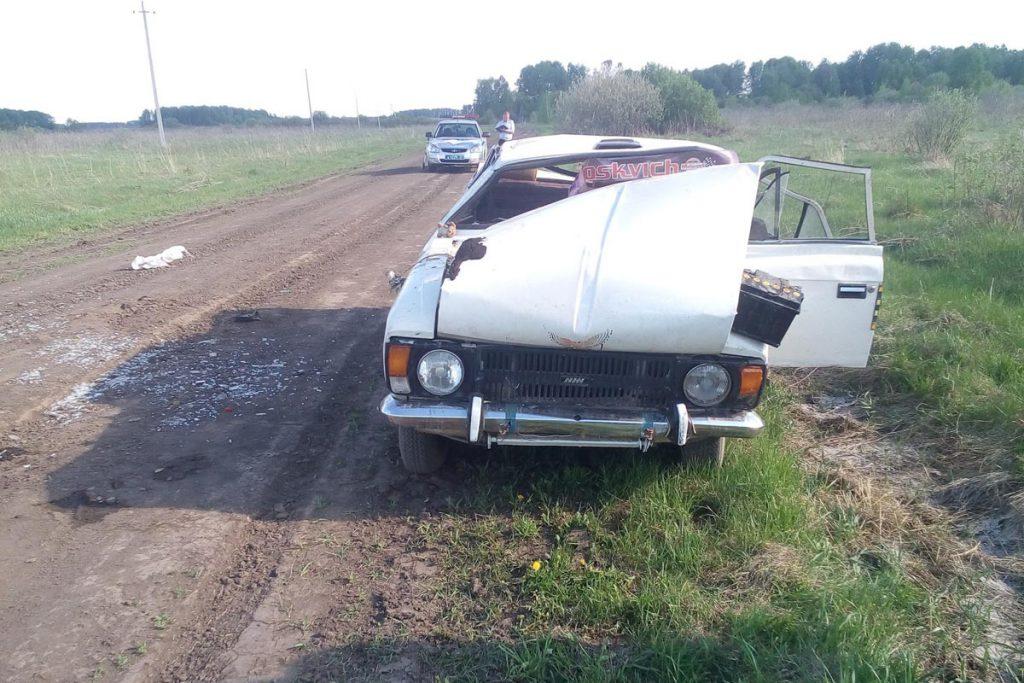 На 1-м километре автодороги Северо-Плетнево-Андреево в Юргинском районе опрокинулся «Москвич 412»