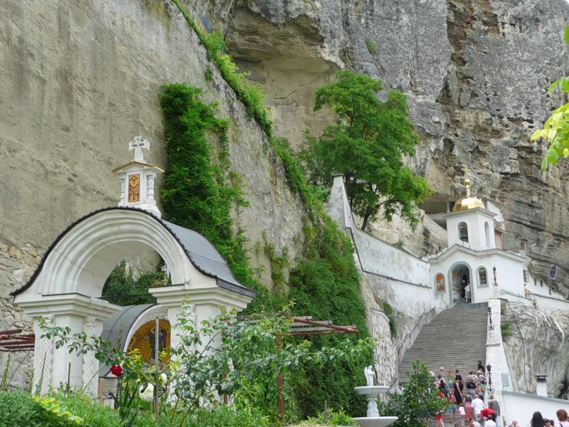 Свято-Успенский монастырь 3
