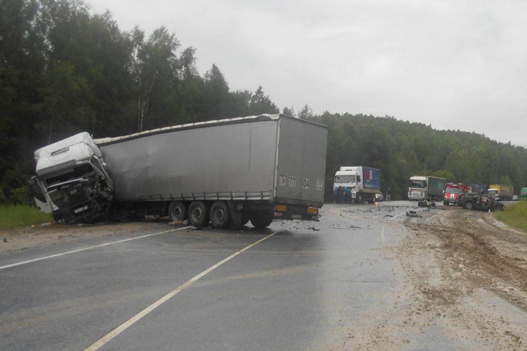 Трагедия произошла в пятом часу вечера на 376 километре автодороги Тюмень-Ханты-Мансийск