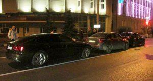 3 иномарки: «Ауди А5», «Вольво S40» и «БМВ 320» столкнулись в половине двенадцатого часа ночи на улице Луначарского