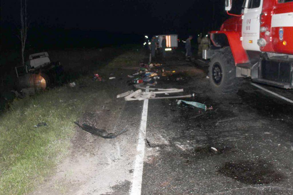 Семья из Нижневартовска погибла в дорожной аварии в десятом часу вечера вчера  на 166-м километре автодороги Шадринск-Ялуторовск