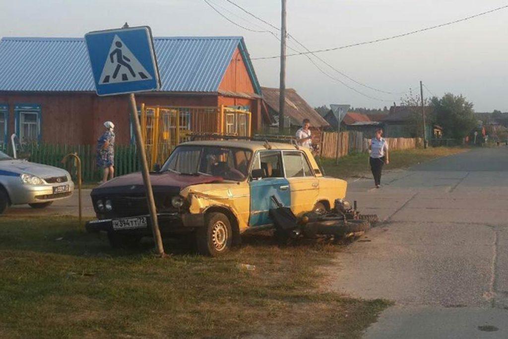 В селе Бухтал Нижнетавдинского района столкнулись автомобиль «Жигули» 3-й модели и мотоцикл «Урал»