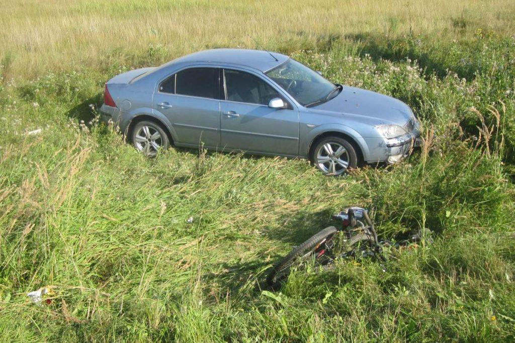 Около трех часов дня на автодороге Ишим – Синицына в окрестностях города Ишима автомобилем «Форд Мондео» сбиты две велосипедистки