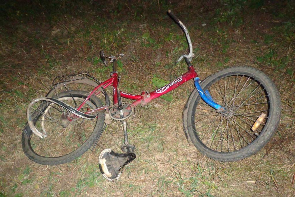 В восьмом часу вечера на 5 километре автодороги Голышманово-Бердюжье автомобиль «Ленд Ровер» совершил наезд на велосипедиста