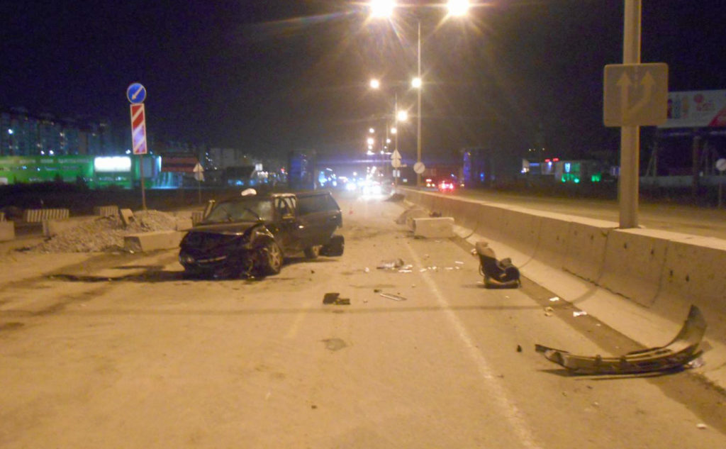 В пятницу в областном центре  из-за неправильно выбранной скорости движения водителем иномарки  произошла авария, в которой погиб 7-ми месячный ребенок, еще три человека оказались в больнице