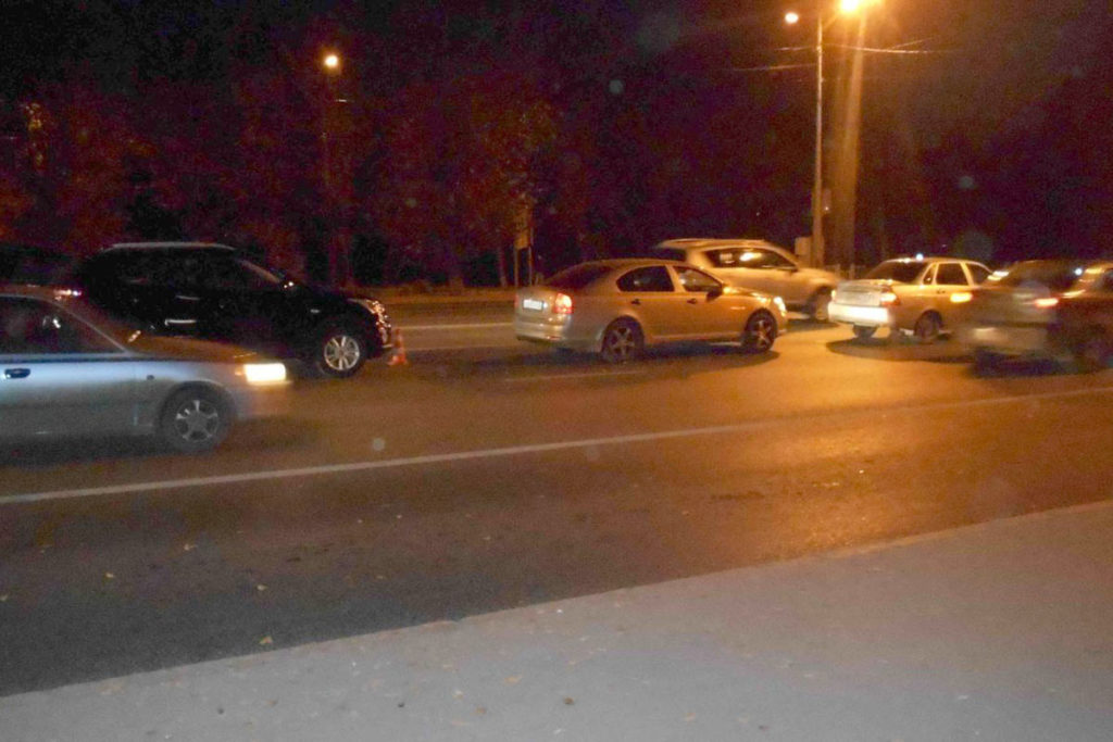 5 часов вечера на улице Пышминская, 1А столкнулись три автомобиля