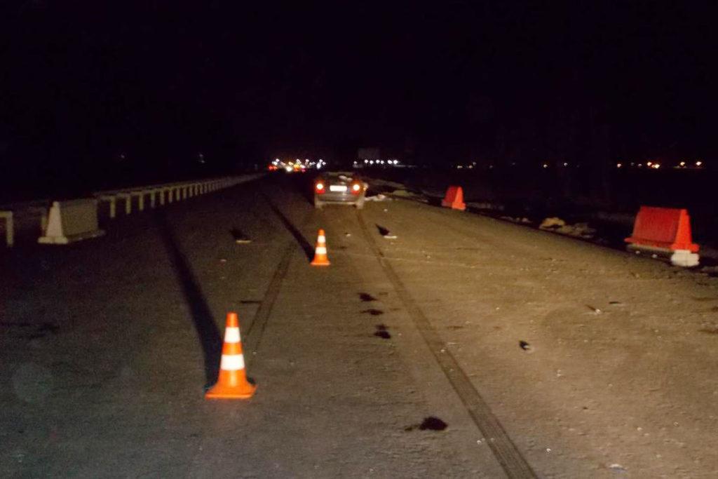 Около 11 часов вечера на 15-м километре федеральной автодороги Тюмень – Ханты-Мансийск на закрытом участке дороги, находящемся на реконструкции, автомобиль «Хендэ Елантра» сбил пешехода
