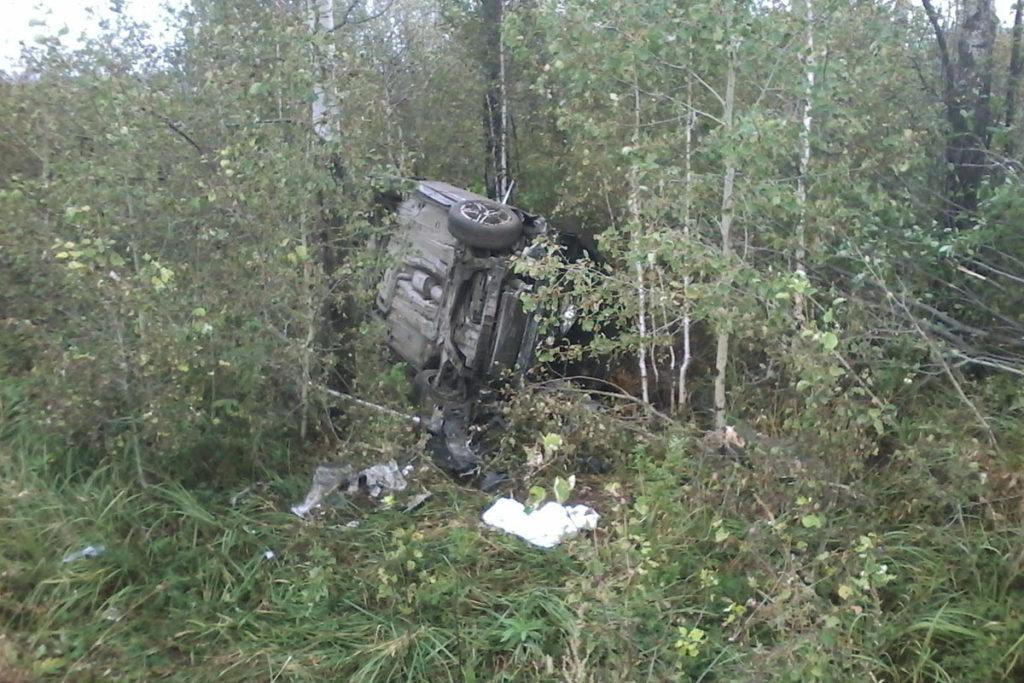 На 7-м километре автодороги Заводоуковск-Упорово опрокинулся автомобиль «Форд Мондео», за рулем которого находилась 33-летняя женщина