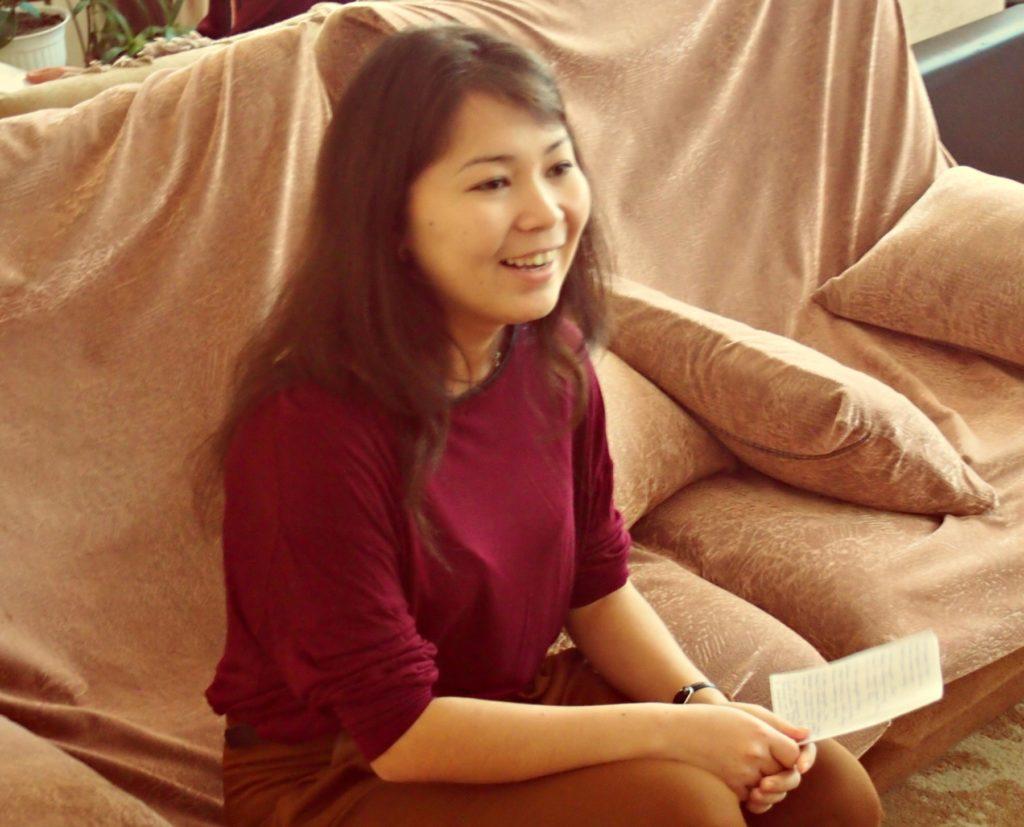 Наташа Бабушкина читает стихи