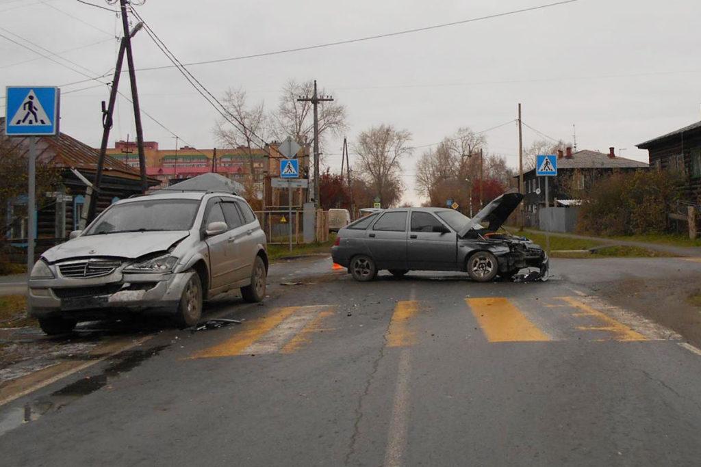 В половине одиннадцатого часа утра на улице Чайковского областного центра столкнулись автомобили «Лада» 12-й модели и «Ссанг Енг»