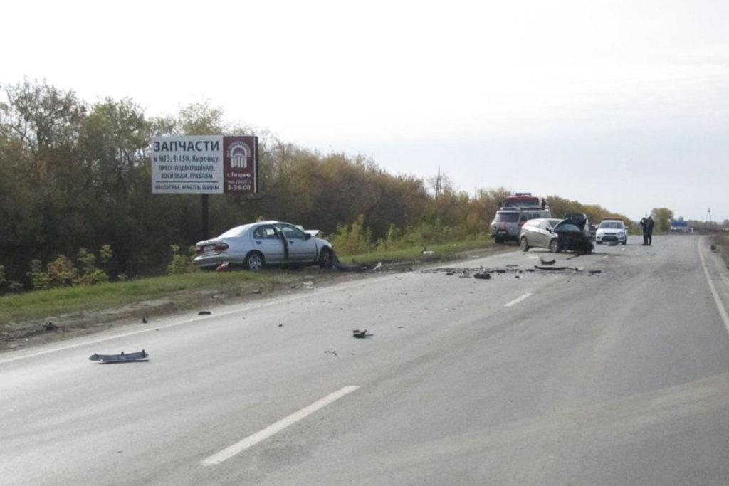 «Хундай» и «Ниссан» столкнулись 2 октября на 2-м километре автодороги Ишим-Казанское