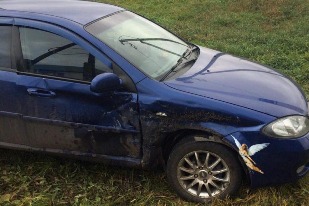 В Казанском районе в поселке Новоселезнево около 14-ти часов столкнулись автомобили «Шевроле Лачетти» и «Лада Гранта»