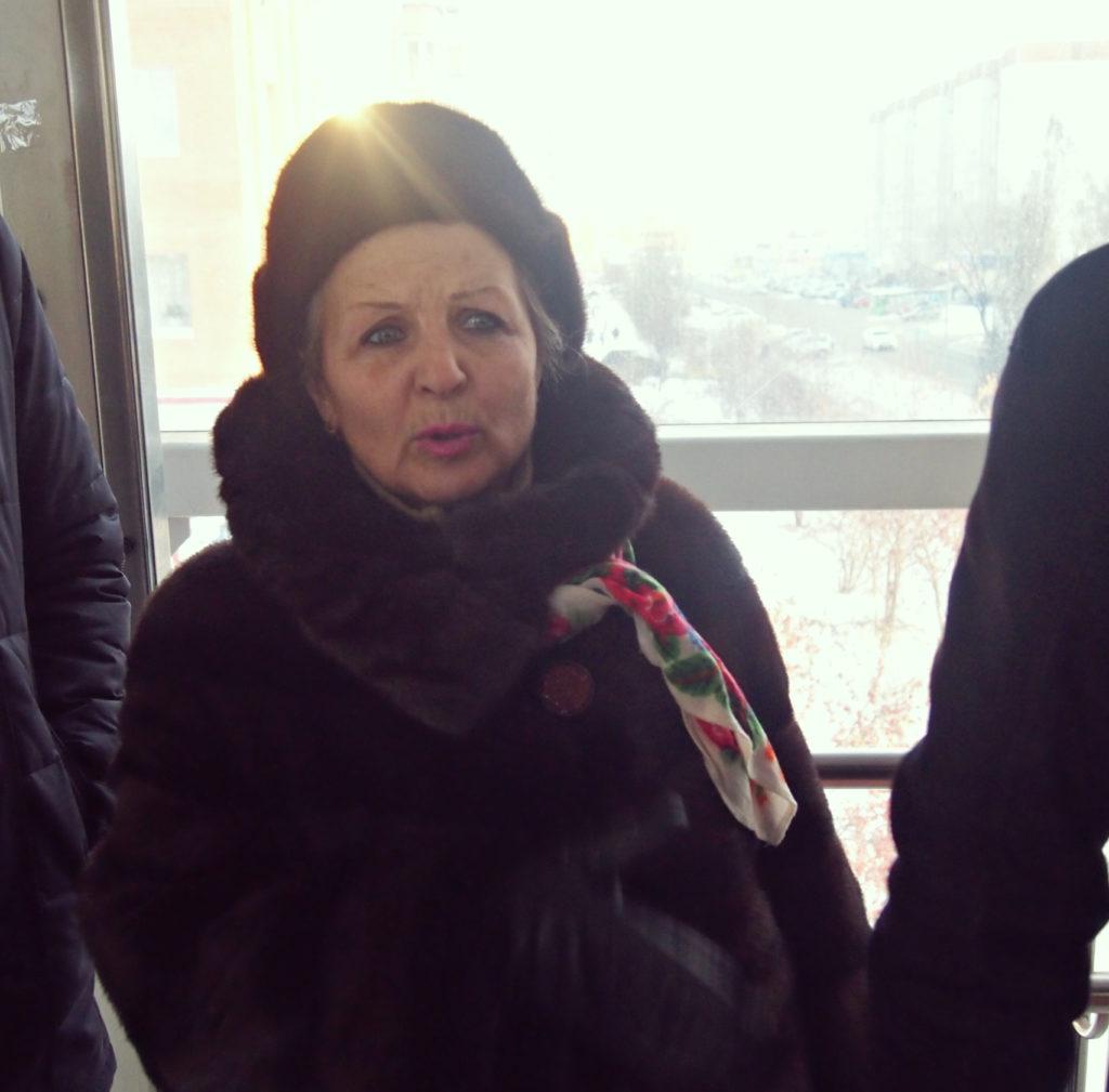 Ирина Федоровна зачитала стихи об уважении к старости