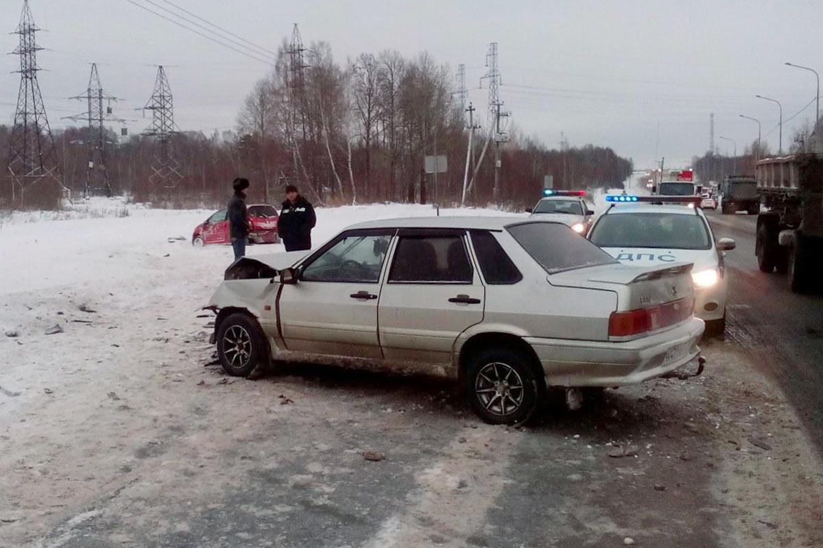 Ханты-Мансийск: шофёр КАМАЗа сбит насмерть полуприцепом встречного фургона на автотрассе Тюмень