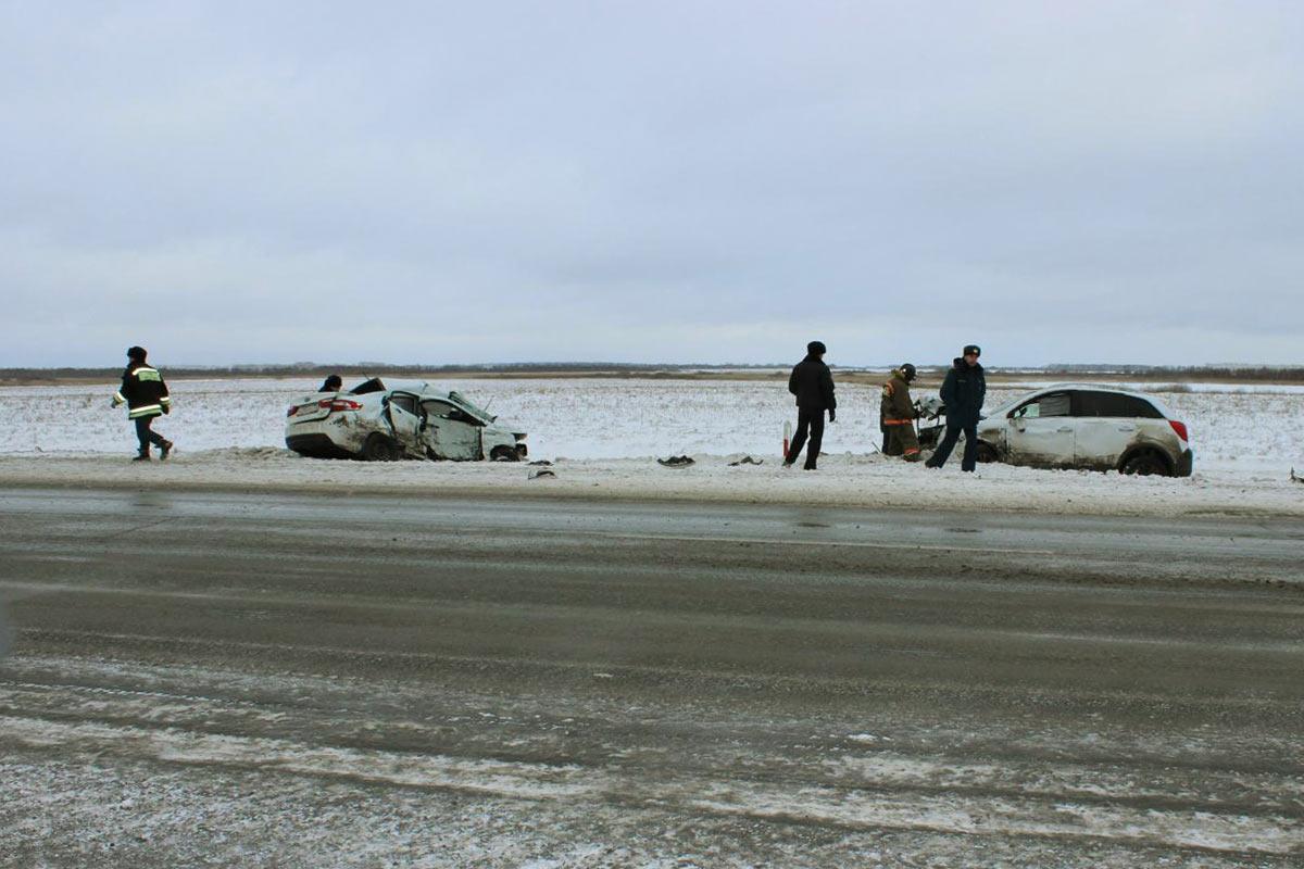 Натрассе Тюмень-Омск автомобилистка наиномарке спровоцировала ДТП ипогибла