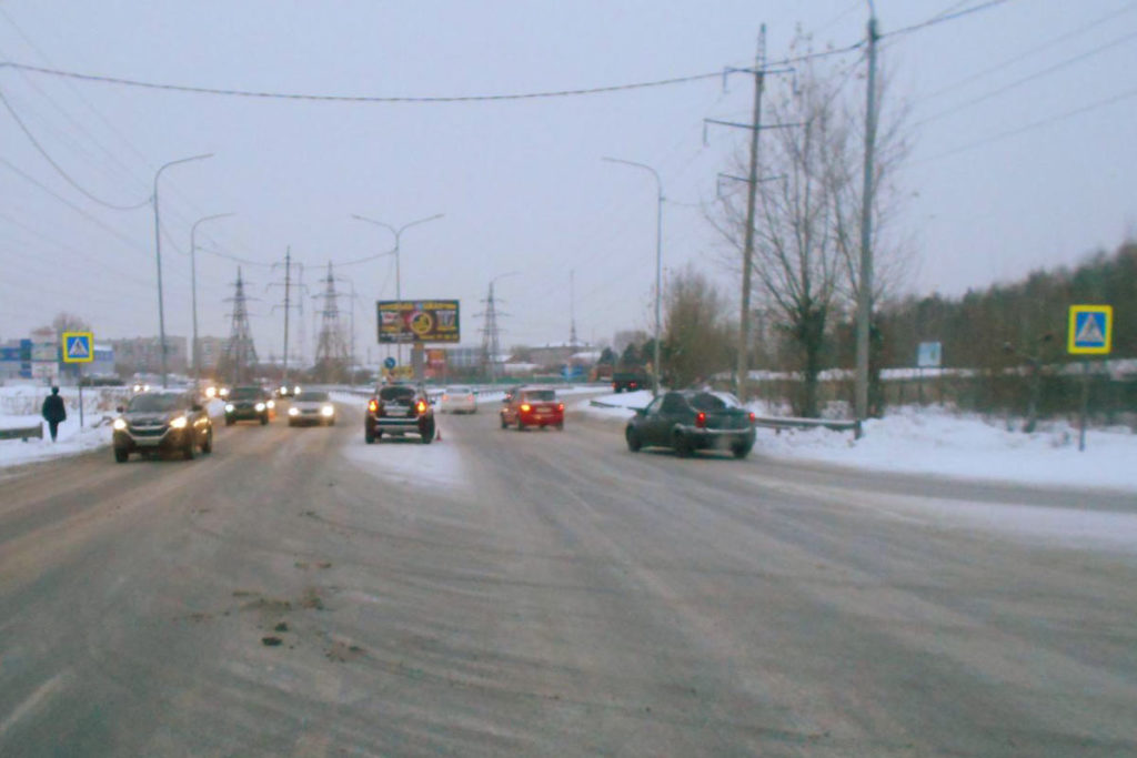 На улице 50 лет Октября в районе Гилевской рощи автомобиль «Рено Дастер» сбил 36-летнего мужчину