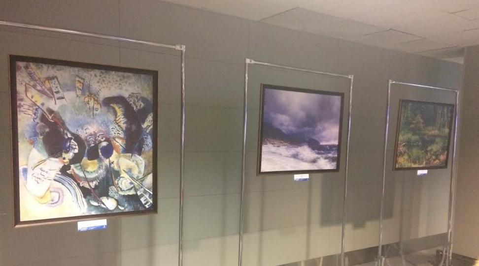 Втюменском аэропорту открылась выставка картин