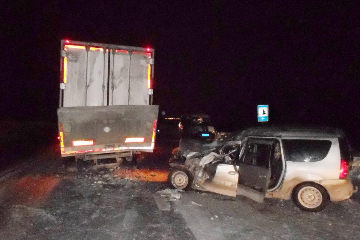Ханты-Мансийск: Два человека погибли в трагедии натрассе Тюмень