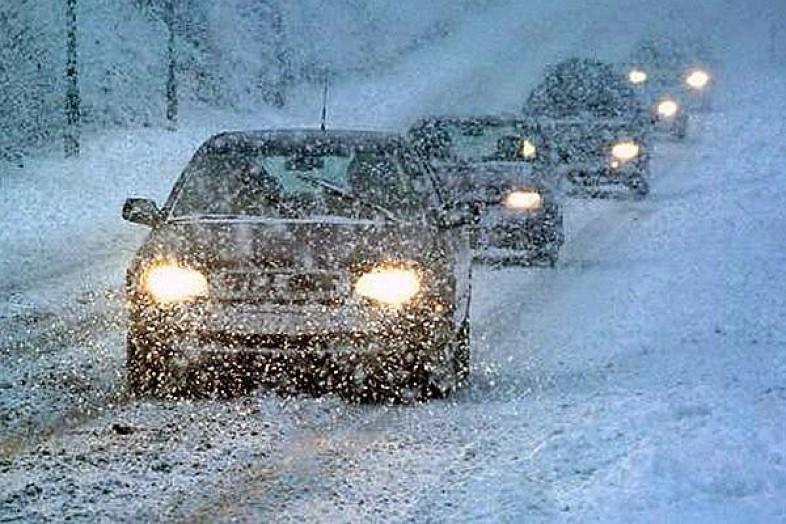 Снежный коллапс: утром 27февраля вТюмени случилось  неменее  10 аварий