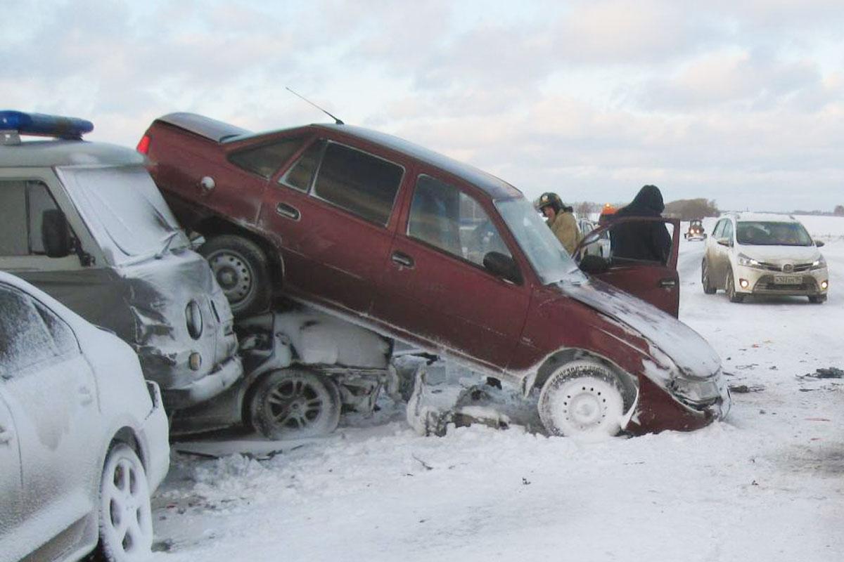 Натрассе Ишим— Казанское столкнулись 8 авто