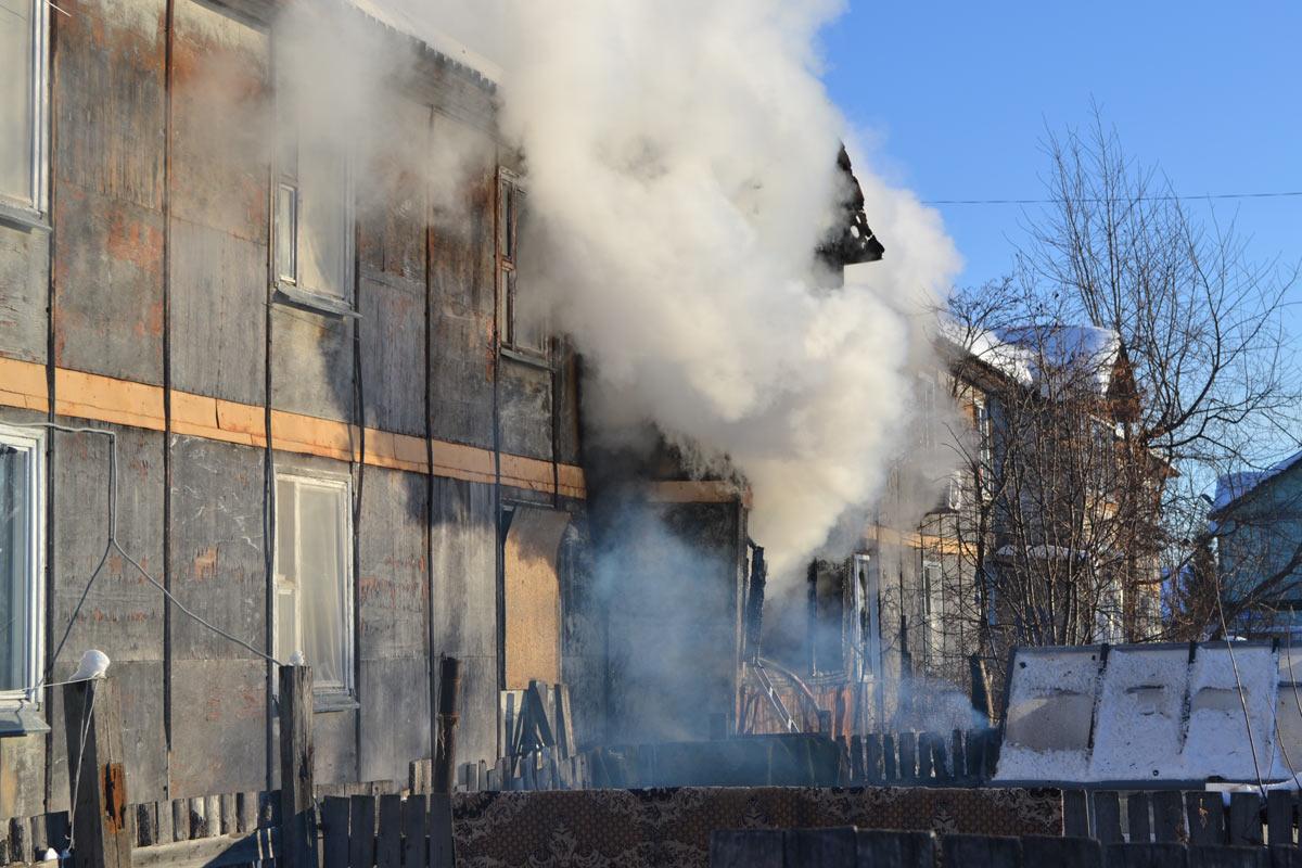 Пожарные эвакуировали покрайней мере 15 человек напожаре поадресу улица Камчатская 107