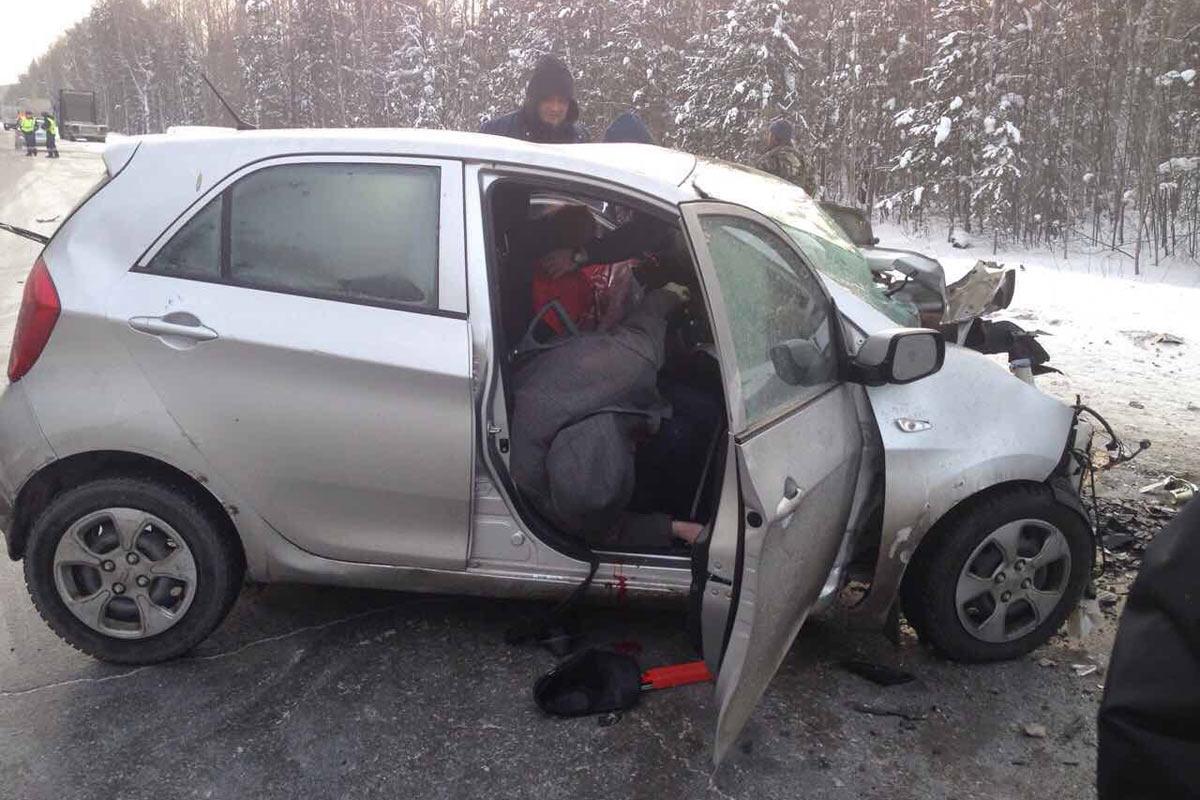 Ханты-Мансийск: Три человека погибли из-за неудачного обгона натрассе Тюмень