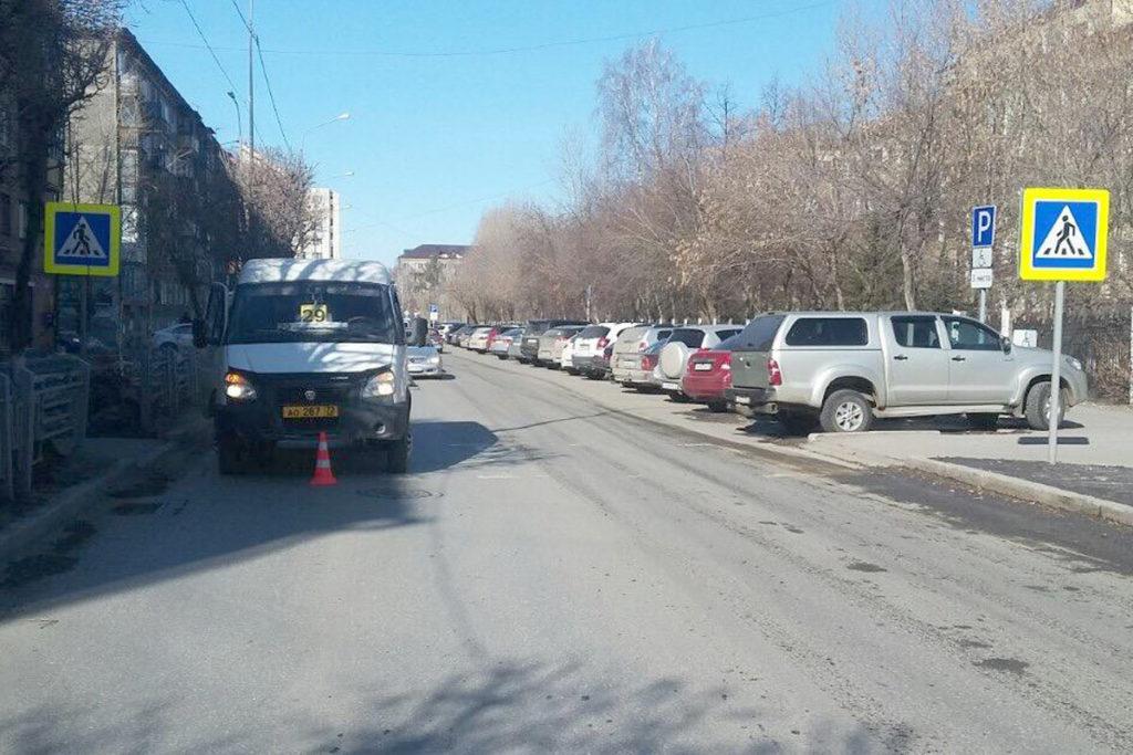 на улице Котовского областного центра в 11 часов дня маршрутным такси «Газель» сбита 68-летняя женщина