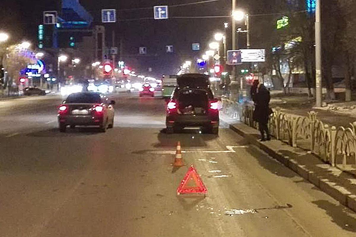 Наулице Республики шофёр Шкода сбил школьников, перебегавших дорогу