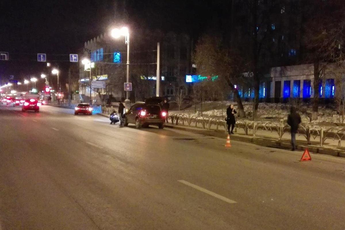 Один изшкольников, попавших под колеса автомобиля вТюмени, находится вкоме