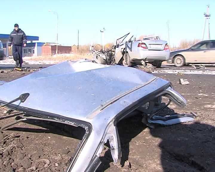 Вжутком ДТП вТюменской области погибло два человека