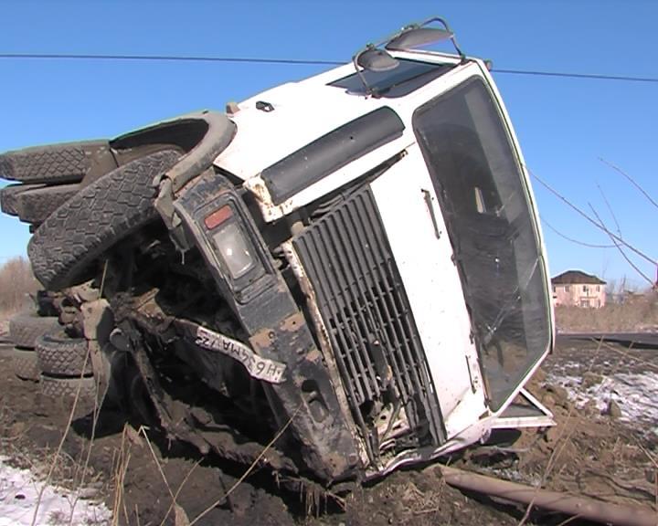 НаВелижанском тракте два человека погибли при столкновении с фургоном