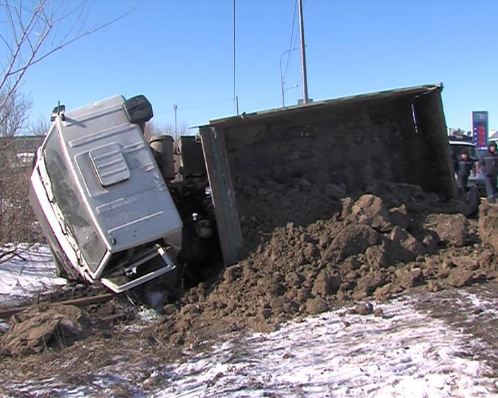 НаВелижанском тракте два человека погибли при столкновении с грузовым автомобилем